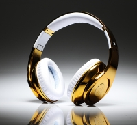 Gold Beats by Dre headphone