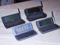 4 Generationen Nokia Communicator (von hinten nach vorne): 9000, 9110, 9210, 9500