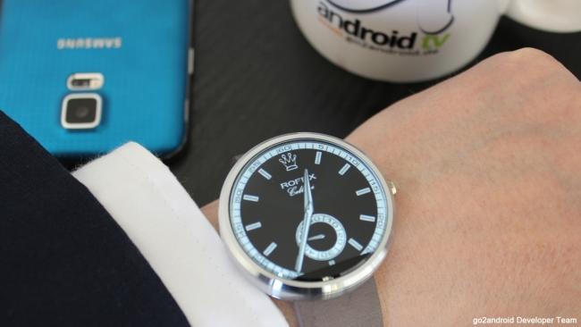 Motorola Moto 360 mit Rofex WatchFace