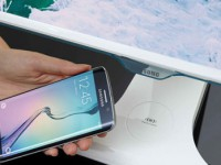 Samsung SE370 mit Wireless-Qi-Ladeschale