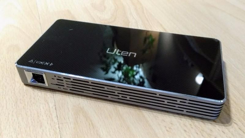 Uten C800 Mini DLP-Beamer
