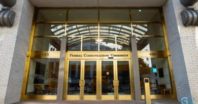 Federal Communications Commission (FCC)