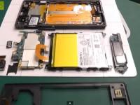 [Video] Sony Xperia Z1 Teardown